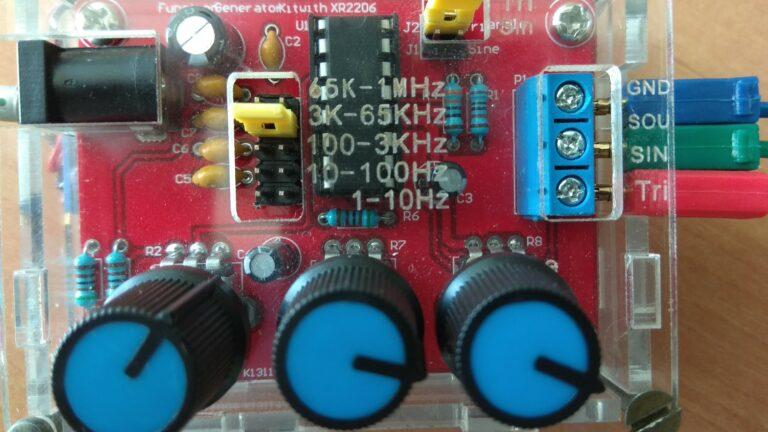 Генератор сигналов XR2206 частотные коннекторы
