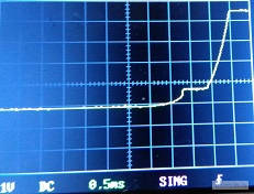 восходящий фронт на выходе ОУ. контроллер стабилизатор сетевого напряжения