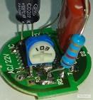 впаянный подстроечный резистор для калибровки китайского вольтметра переменного тока