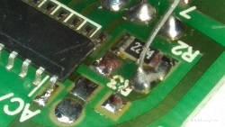 выпаянный резистор вольтметра для калибровки